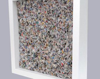 Dit stuk heeft een buitengewone textuur gemaakt uit gerecycleerde tijdschriften en het is zo schattig! Deze 6 kleurrijke ronde muur kunst is een werkelijk unieke manier kleur en textuur toe te voegen aan uw huis... en wanneer weergegeven in veelvouden de groepering kunnen een verklaring stuk voor elke muur!  De gerecycleerde tijdschriften maken een ongelooflijke textuur-iedereen zal willen weten wat het is en waar u het kreeg! De levendige kleuren van dit stuk zijn brights... blauwe, groene…