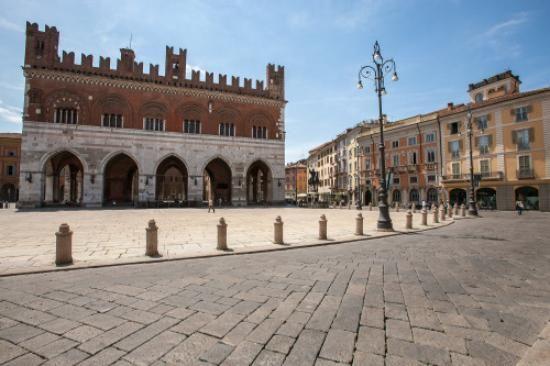 Piazza Cavalli (Piacenza, Italy): Top Tips Before You Go - TripAdvisor