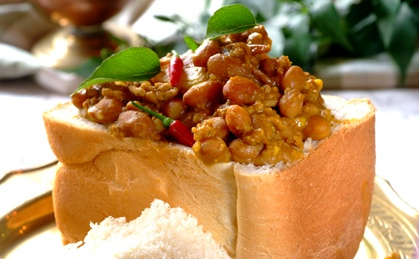 Durban-style Mince And Bean Bunny Chow