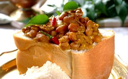 Durban-style Mince And Bean Bunny Chow