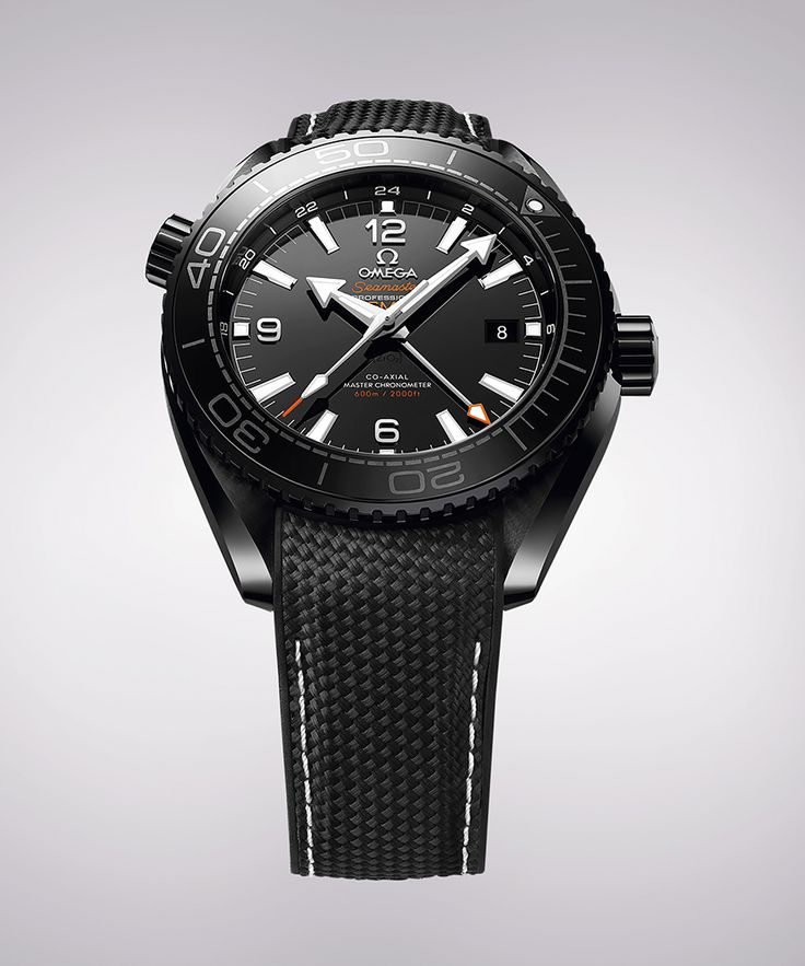 You Need a Dive Watch This Season. - Dujour