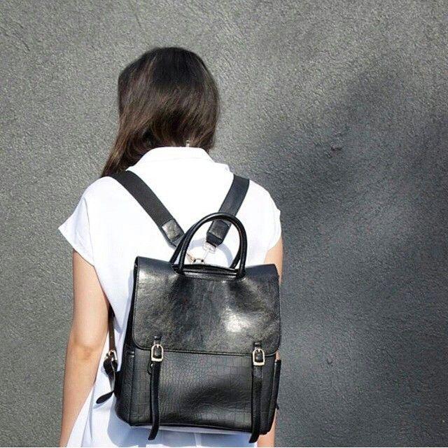 """A bőr hátizsák 2015 alap darabja lesz:) // the leather backpack it's gonna be one of 2015 essential :))"