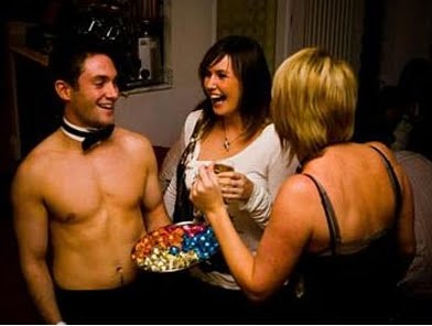 Invite a Topless Waiter to entertain your guests on your Hen Night! HOT!!!!http://www.spicyhen.co.uk/spicy-special/topless-butlers/