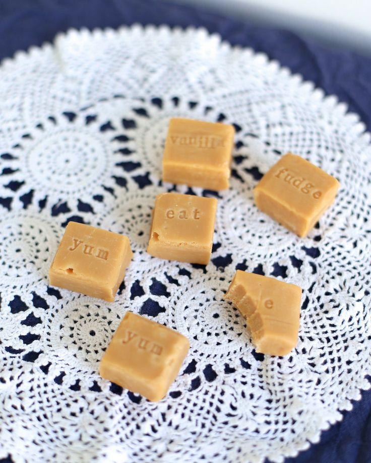 best 25 homemade wedding cakes ideas on pinterest wedding cake fillings cake flavors and. Black Bedroom Furniture Sets. Home Design Ideas