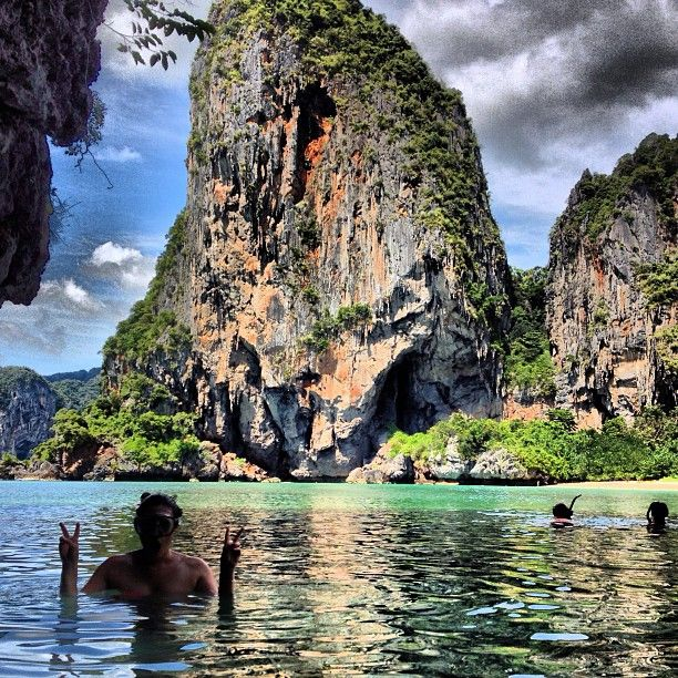 For Railay (Thailand) travel stories, reviews, itineraries and tips, please visit https://scarletscribs.wordpress.com/tag/railay/