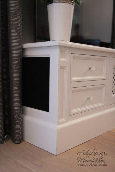 bok z ukrytym głośnikiem, RTV commode with BOSE sound system inside, classic RTV cabinet, wooden tv stand