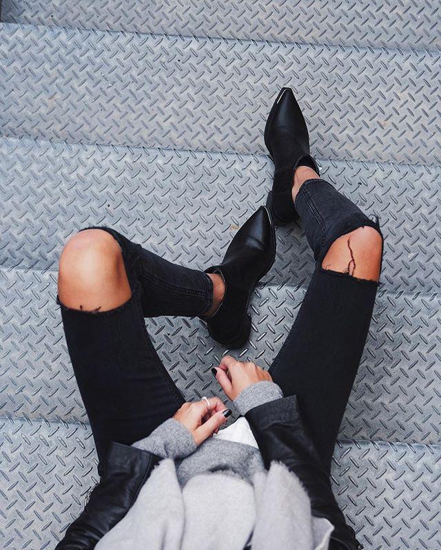 Shoes for days  // @senso boots, @topshop_au Jamie Jeans ✔️