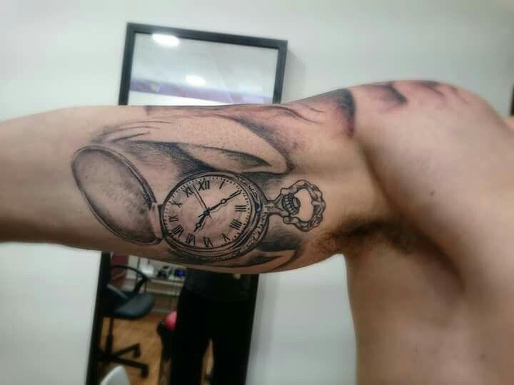Taschenuhr tattoo hand  93 besten tattoos Bilder auf Pinterest | Beobachten, Zeichnungen ...