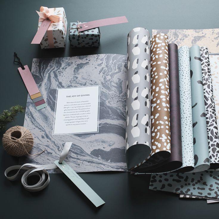 Smart gavepapirs bog fra Ferm Living. Gift wrapping Book indeholder 24 sider med flotte grafiske mønstre. Gavepapiret måler 59 x 42 cm.