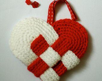 Crochet danish heart - Handmade Christmas ornaments by Melinda Pix