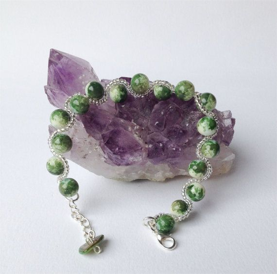 Jade Green Bracelet Beaded  craftyirelandteam by DelabudCreations