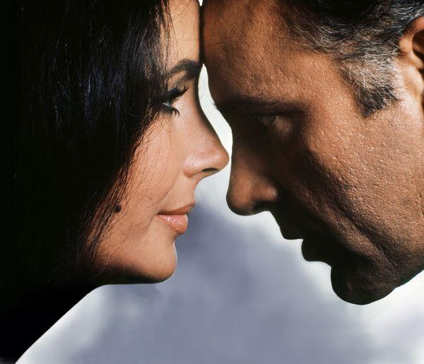 Love and Hate - Liz and Richard (by Douglas Kirkland)