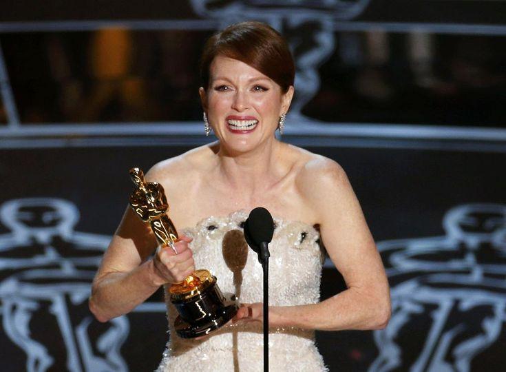 #oscars #2015 Julianne Moore, ganadora del Oscar a mejor actriz por su papel en 'Siempre Alice'.