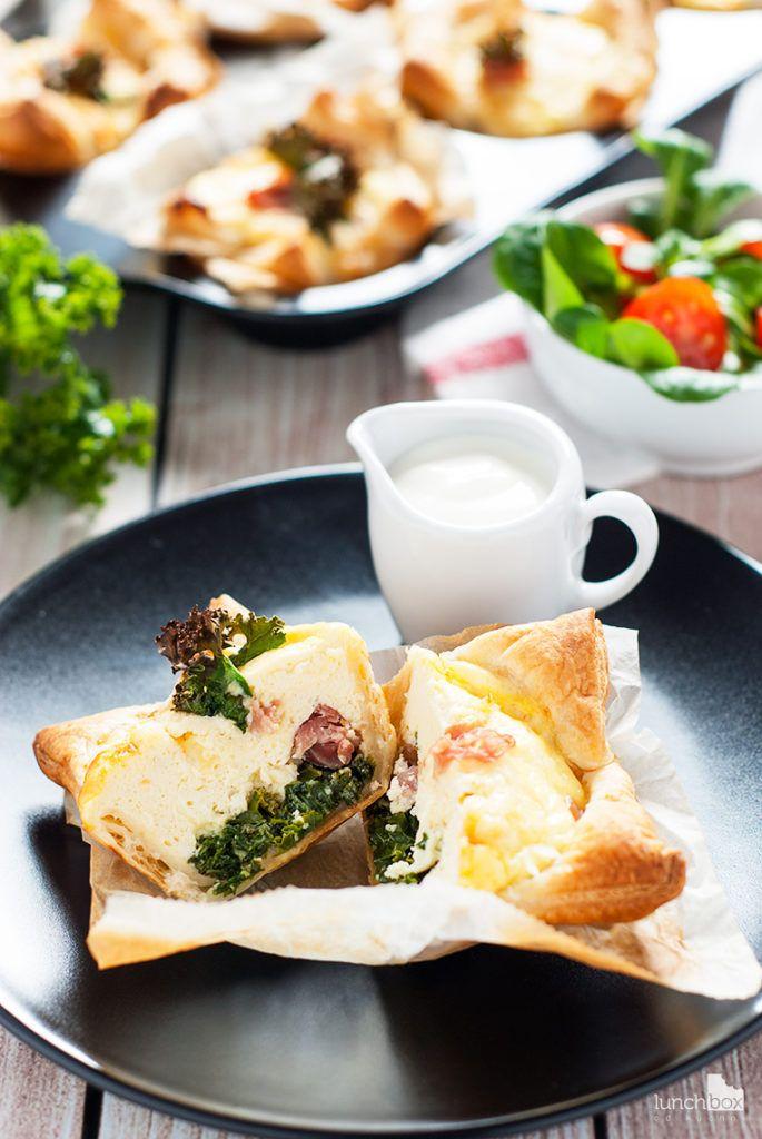 Tartaletki z jarmużem, ricottą i szynką parmeńską | lunchboxodkuchni.pl