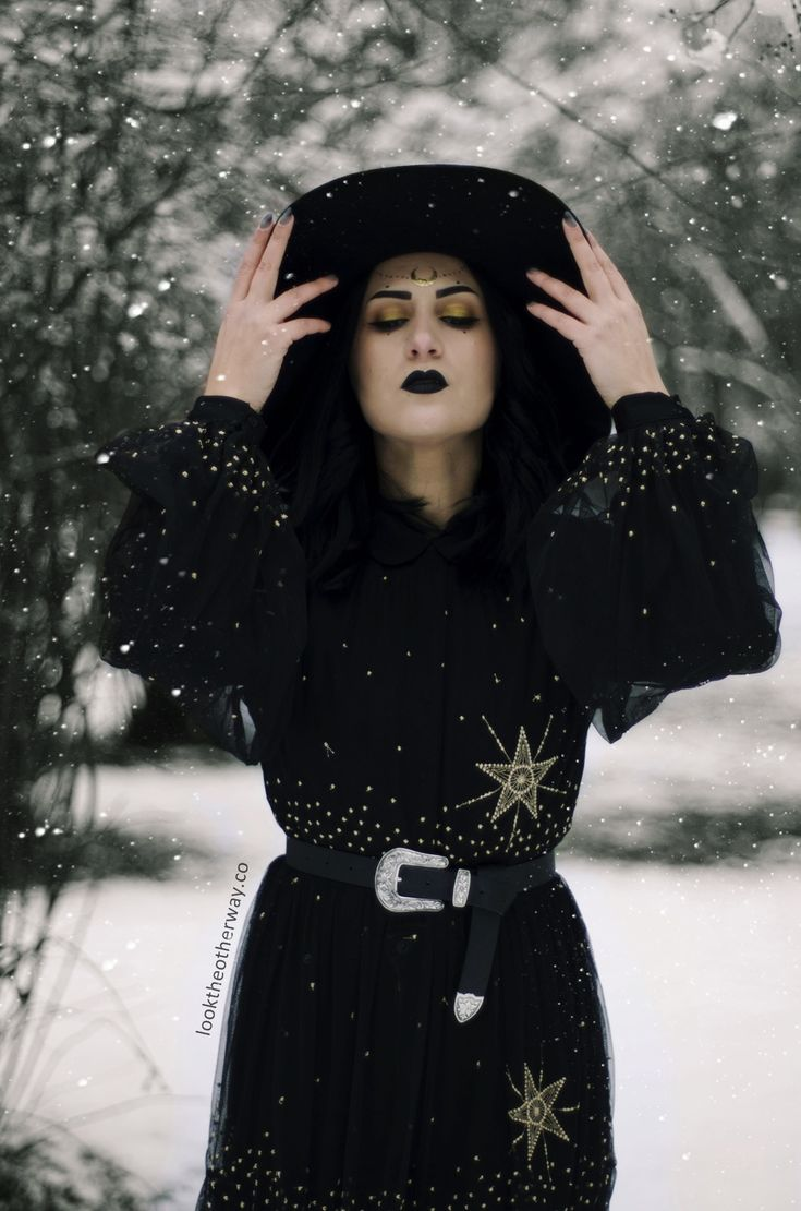 The Witching Hour - Style Suggestions - Looktheotherway.co