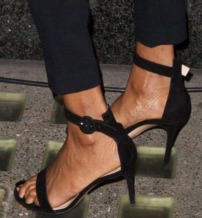 (78.00$)  Watch now - http://airn6.worlditems.win/all/product.php?id=32801900393 - 2017 estate nuove donne scarpe tacchi alti sandali cinturino alla caviglia in pelle scamosciata donna sandalo vestito