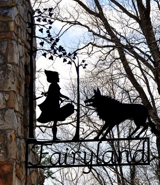 Wonderful wrought iron Sign for a community on Lookout Mountain near Rock City.