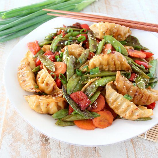 In this scrumptious stir fry, fresh veggies, chicken potstickers and a simple stir fry sauce are tossed together in only 20 minutes!