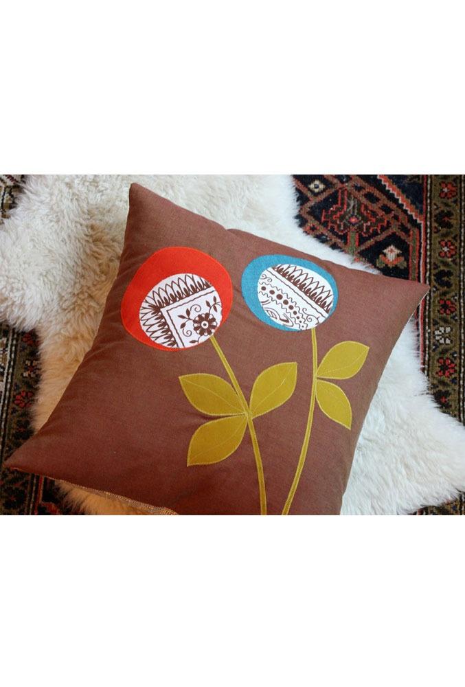 Cute pillow applique idea (Scandinavian Bouquet Pillow by Domestica)