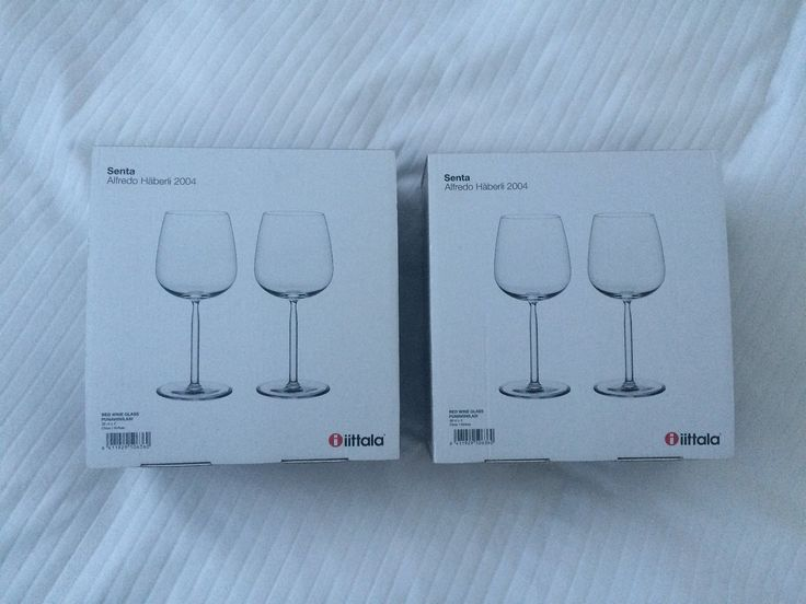 4 vinglass fra iittala (senta). Helt nye, fått i gave. 2 stk for 250 kr eller 4 stk til 500 kr Ny pris for 2 stk er 269 kr