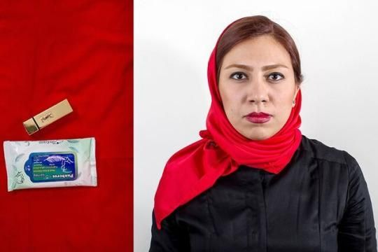 Parnaz Jamali, 22, student of architecture and English teacher | photo/text by Iranian photojournalist Mona Hoobehfekr  https://www.yahoo.com/beauty/iranian-women-unpack-their-makeup-bags-and-so-124260071213.html