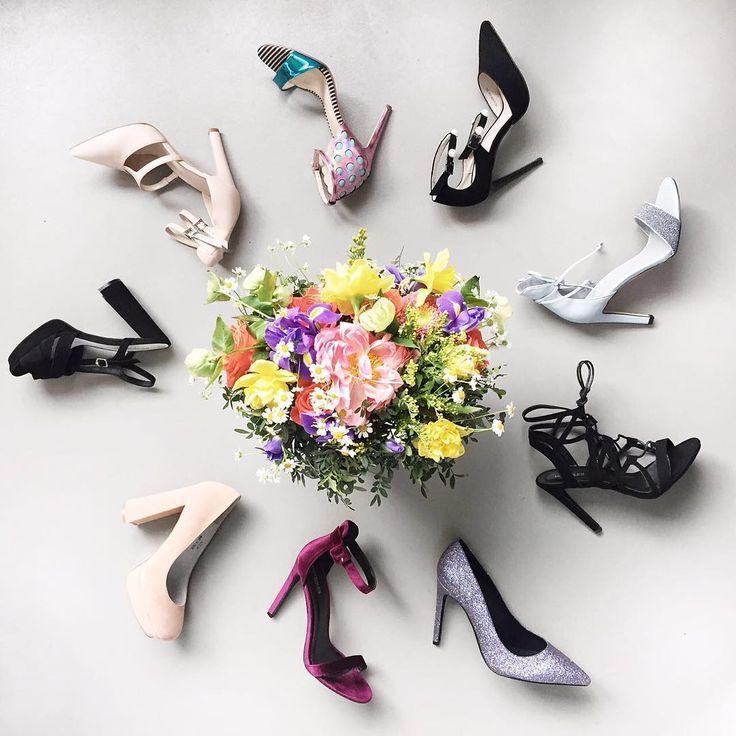 Вы уже ищите обувь для выпускного вечера?👸🏼 В нашем магазине покупка туфель превратится в один из самых прекрасных…