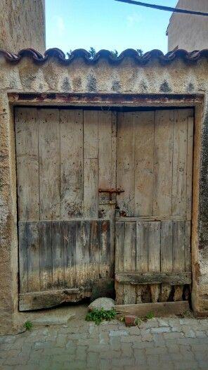 Caldes d'Estrac, Barcelona #doors #door #puertas #puerta #barcelona