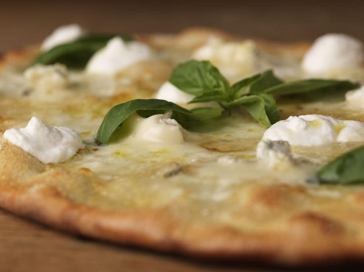 Gorgonzola, Stracchino, Ricotta di Bufala, Mozzarella di Bufala Campana DOP e Basilico Fresco