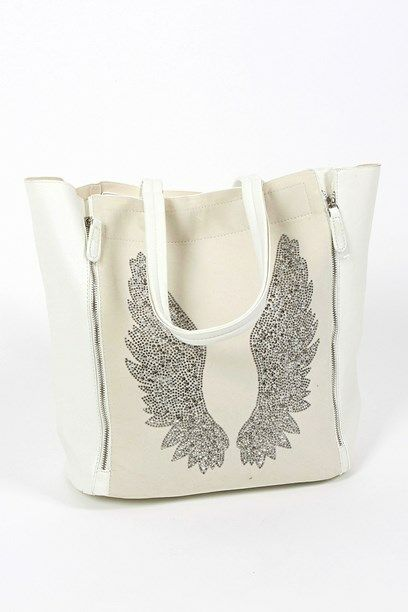 MARITT TASKE - Signature bag with faux silmili wings.