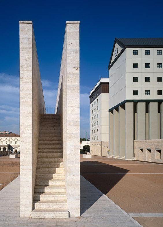 Administrative offices, Region of Umbria, Aldo Rossi, Perugia, Italy, 1988