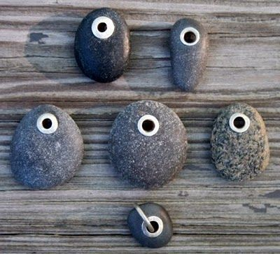 Silver tube riveting beach stones