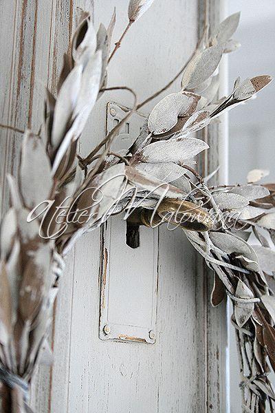 XIX-wieczny kredens eklektyczny - nadstawka zamykana na kluczyk. © 2014 Atelier Malowana. All rights reserved. http://ateliermalowana.pl/