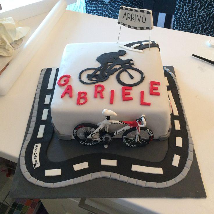 Torta ciclista golosa golosa Mudcake cioccolato bianco e crema rocher