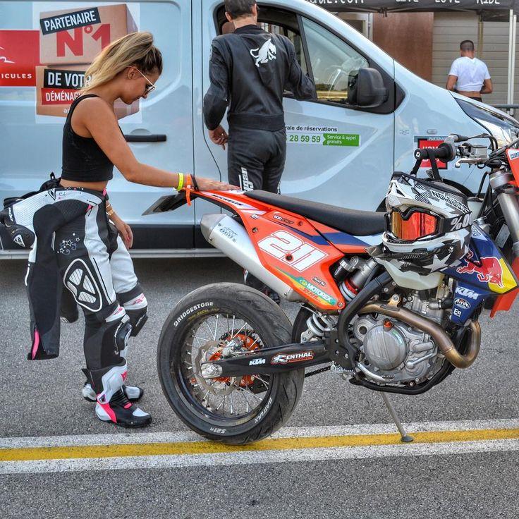 Avec la belle 500 de la @team.motorfly   #paulianef #moto #motocross #motorcycle #supermoto #bike #bikergirl #ktm #exc #lifestyle #lifestyleblogger