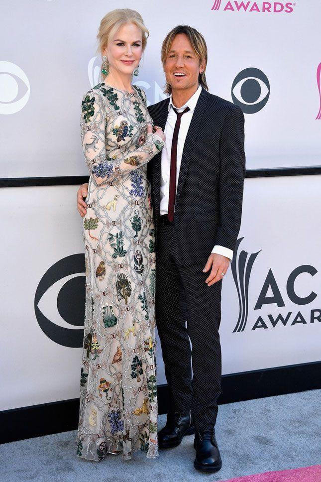 Николь Кидман в платье Alexander McQueen и Кит Урбан на церемонии вручения Academy of Country Music Awards