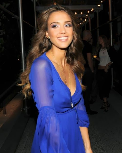 jessica alba, also love the dress