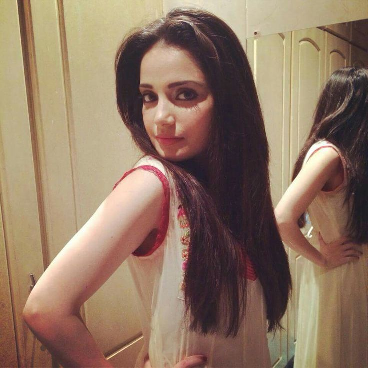 Pakistan's Fashion Model & Actress, ArMeeNa RaNa KhAn