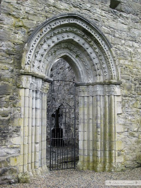 ~Whispering door, Ireland. People would face opposite sides of the doorway and whisper into the corner and the sound would travel through the architecture in the archway. It works!~