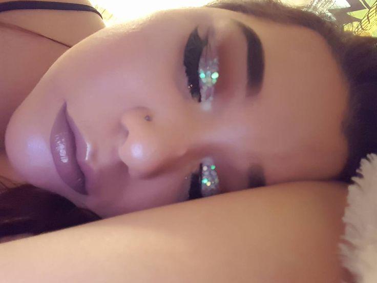 Turn the lights off ... ⭐⭐�������������� #mua�� #makeupjunkie#turnthelightsoff#glitter#iridescentmakeup# moonlight#makeupinspo#lipgloss#holographic#anastasiabeverlyhills#moonchild#moonstone#limecrime http://ameritrustshield.com/ipost/1548950914253270443/?code=BV--qZalS2r