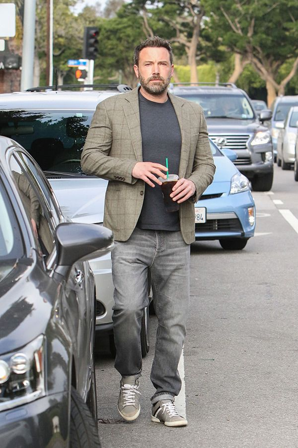 Is Ben Affleck Moving On From Jennifer Garner 3 Months After Divorce? https://tmbw.news/is-ben-affleck-moving-on-from-jennifer-garner-3-months-after-divorce  Hot new couple alert?! Ben Affleck is dating 'Saturday Night Live' producer Lindsay Shookus, according to a July 6 report. His rumored romance comes only 3 months after he and Jennifer Garner filed for divorce, but it looks like sparks are already flying!Sorry ladies. Ben Affleck, 44, is reportedly off the market! The acclaimed actor is…