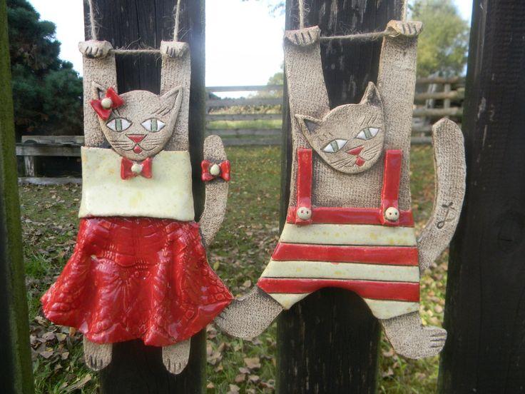 Kočka a kocour na zavěšení Keramická kočka a kocour na zavěšení, cca 22 x 11 cm, cena je za jeden pár