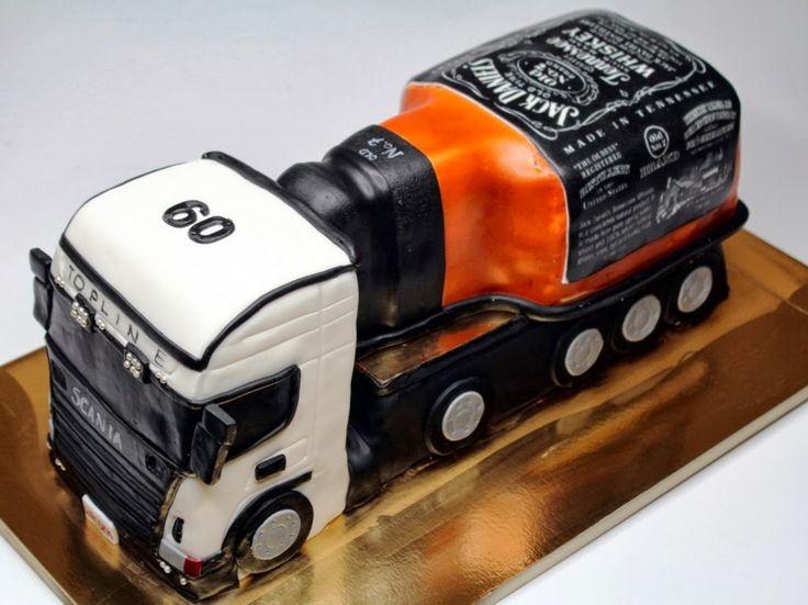 Kuchen in Form eines LKW mit Whiskyanhänger   – süßes