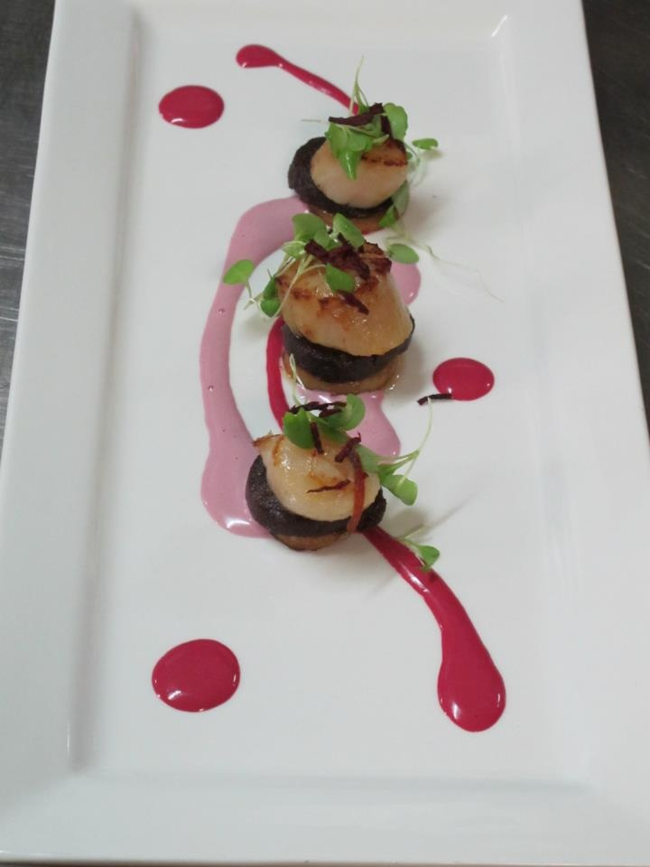 2010 Woodstock 'OCTOgenarian' Grenache Tempranillo served w/ Seared Scallop in Truffle Butter on Black Pudding, Fried New Potato Medallions w/ Fried Julienne of Beetroot & a Red Cabbage & Beetroot Gazpacho Sauce II Woodstock Winery