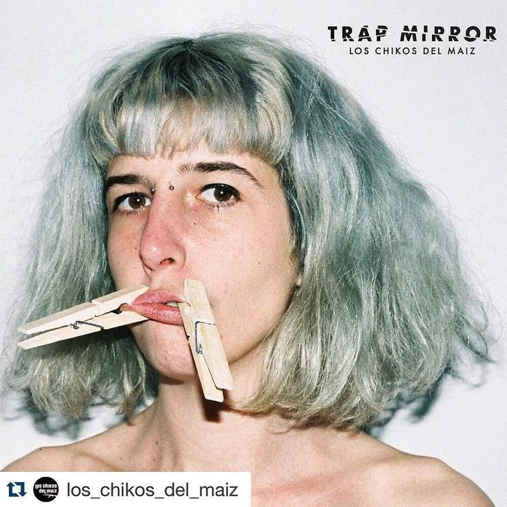 Nos vemos en el track 4 de lo nuevo de Los Chikos Del Maíz 4 #Repost @los_chikos_del_maiz with @repostapp.  Portada y tracklist de #TrapMirror  1. Relato Distópico [Intro]  2. Black Mirror (produced Richie La Nuit)  3. La Soledad del corredor de fondo (produced Cookin Soul)  4. Los Pollos Hermanos (produced Big Hozone)  5. Un Bolero en Berlín (produced Richie la Nuit)