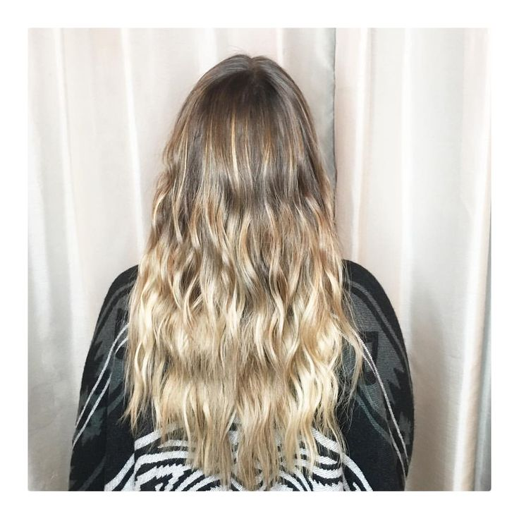 Long blonde hair, beach waves, Balayage