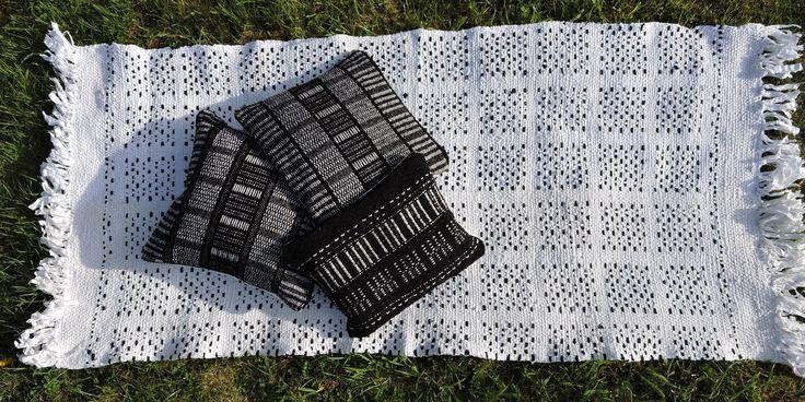 les 25 meilleures id es de la cat gorie tapis lirette sur pinterest tutoriel de fabrication de. Black Bedroom Furniture Sets. Home Design Ideas