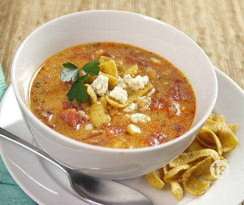 Between game days, gatherings and dinner for the family, you will find lots of opportunities to serve this delicious Buffalo Chicken Chili.