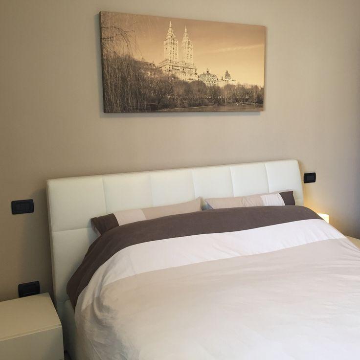 Oltre 25 fantastiche idee su parete dietro il letto su pinterest pareti in pannelli di legno - Quadri sopra il letto ...