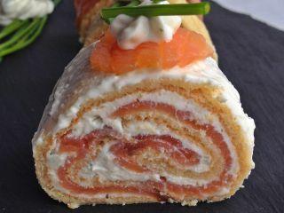 Rollitos de salmón ahumado de aperitivo