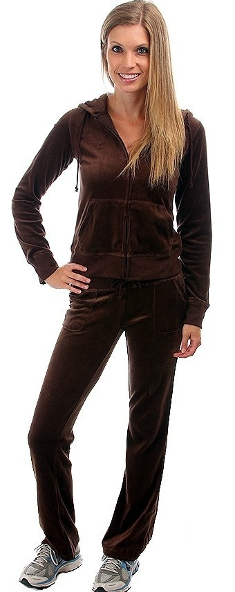 Mens Sweat Suits. The men's sweatsuits of today allow men to relax in comfort, while still looking neatly dressed. Available in a variety of different colors as well as a number of different styles, this is one wardrobe item that will be essential for him to have in his closet.